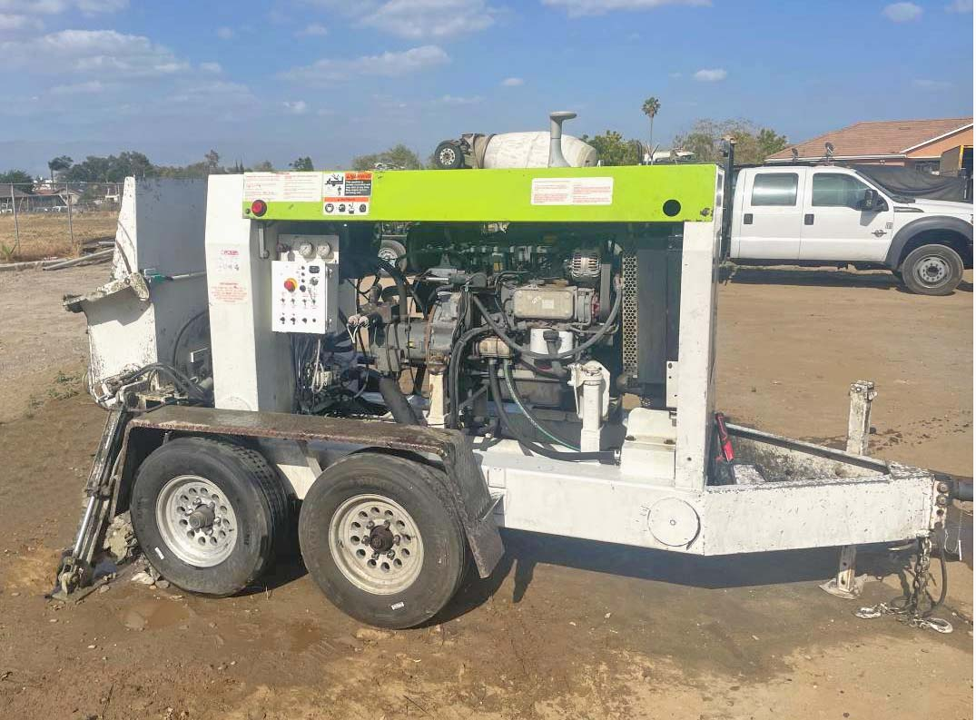 1993 Mayco ST-30 Concrete Trailer Pump
